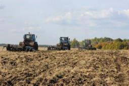 Подъем зяби в Белоруссии перевалил экватор