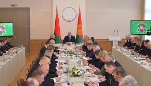 Александр Лукашенко провел совещание по работе АПК Витебской области
