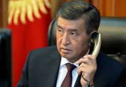 Сооронбай Жээнбеков провел телефонный разговор с коллегой из Казахстана