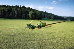Заготовка травяных кормов в Белоруссии набирает обороты