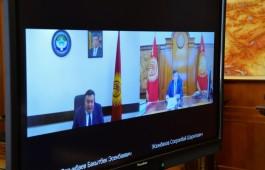 Президент Кыргызстана пообщался с руководителем Государственной кадровой службы