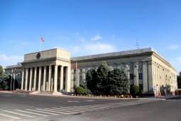 Президент Кыргызстана отправил в отставку Правительство республики