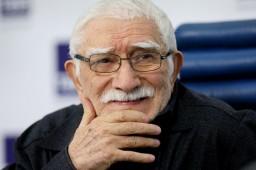 Александр Лукашенко выразил соболезнования в связи со смертью Армена Джигарханяна