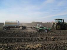 В Белоруссии осталось вывезти менее 10% органических удобрений под яровой сев