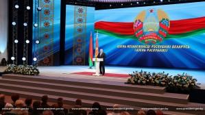 Александр Лукашенко: вызовы государственности уходят в историю Великой Отечественной войны